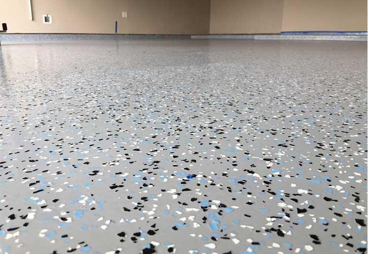 کفپوش اپوکسی ریزدانه ای (epoxy flake floors)